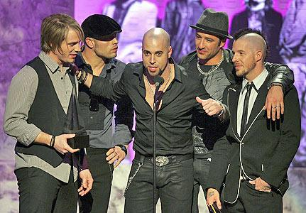 Daughtry wins at 2007 AMAs