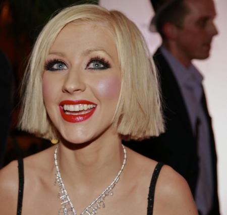 Christina Aguilera's sweet and sassy short hairstyle