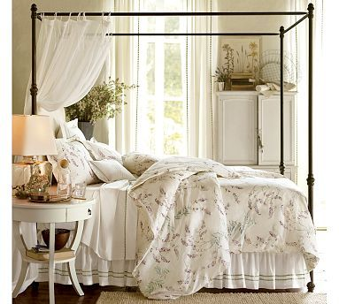 Classic White - Bedroom decorating ideas