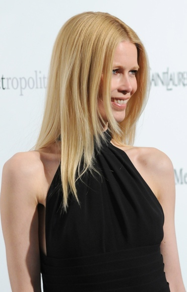 Claudia Schiffer's long, layered hairstyle