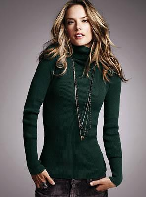 Cotton rib turtleneck sweater in cilantro.
