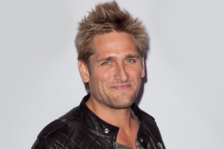 Curtis Stone looking very handsome