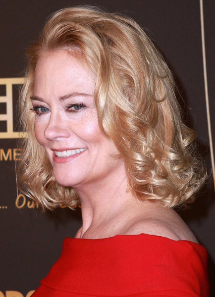 Cybill Shepherd's blonde, curly hairstyle
