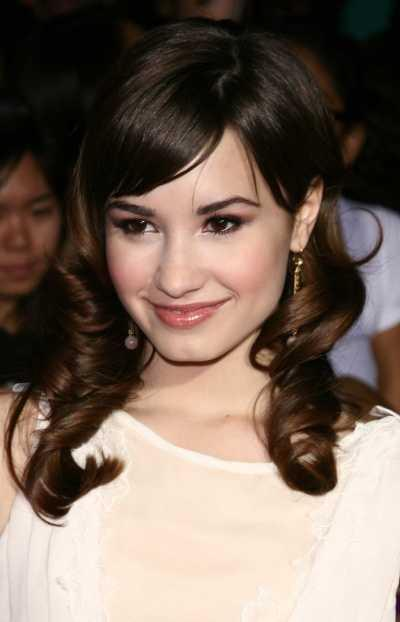 Demi Lavato long brown curls
