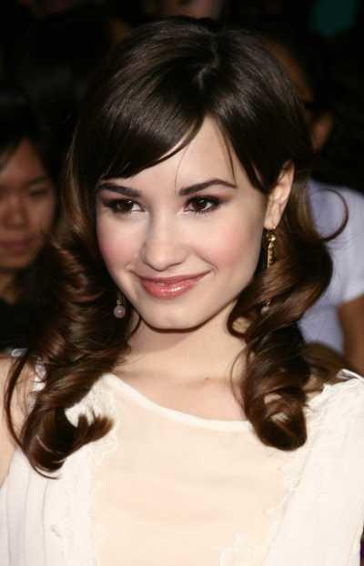 Demi Lavato's long brunette hairstyle