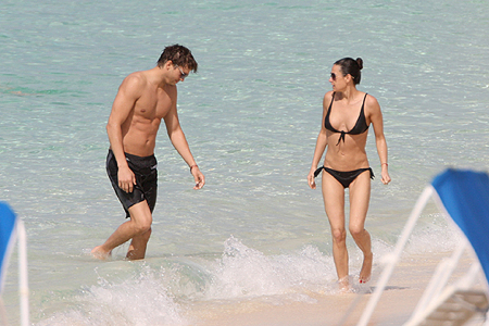 Ashton Kutcher and Demi Moore vacationing