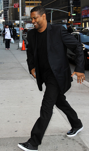 Denzel Washington arrives at the Ed Sullivan Theater