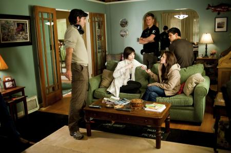Bella Swan (Kristen Stewart) and Alice Cullen (Ashley Greene) and crew