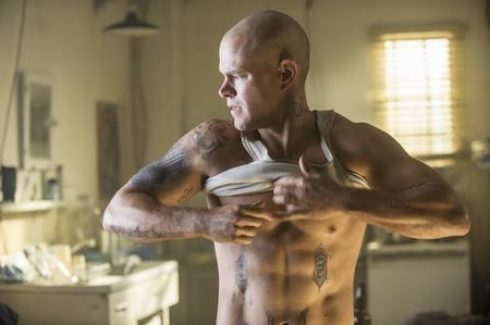 Matt Damon & his abs in Elysium
