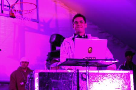 DJ AM, Adam Goldstein, on stage