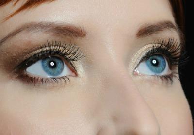 Doll-like eyelashes