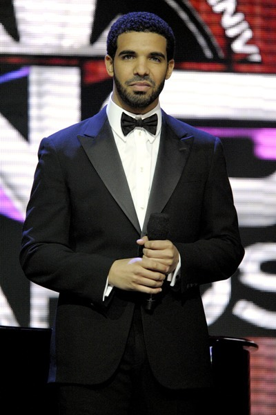 Drake looking Dapper at the 2011 Juno Awards