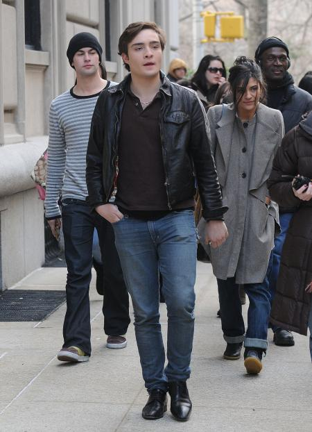 Ed Westwick from Gossip Girls walking