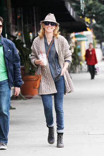 Elizabeth Banks grabs coffee in West Hollywood