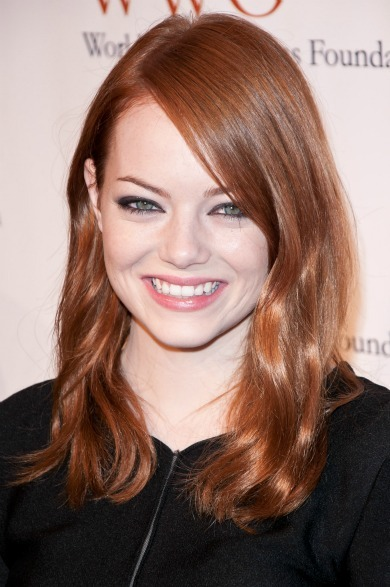 Emma Stone's shoulder length waves for oblong faces