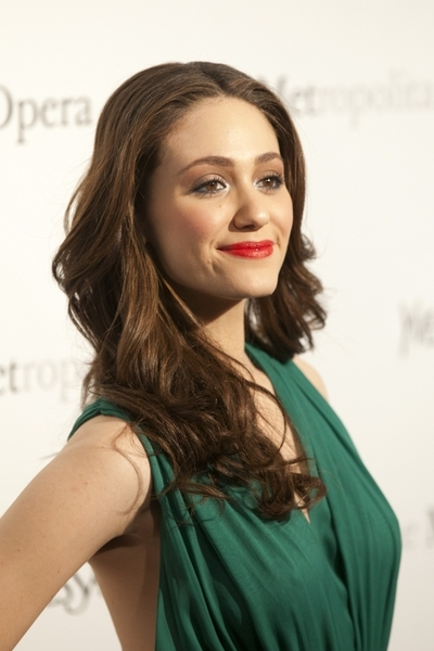 Emmy Rossum's gorgeous, brunette hairstyle