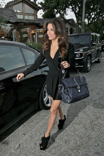 Eva Longoria leaves a salon with fab hair