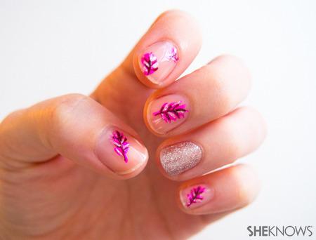 Plumage nail art