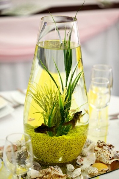 Wedding centerpieces keep it lively for Fish wedding centerpieces