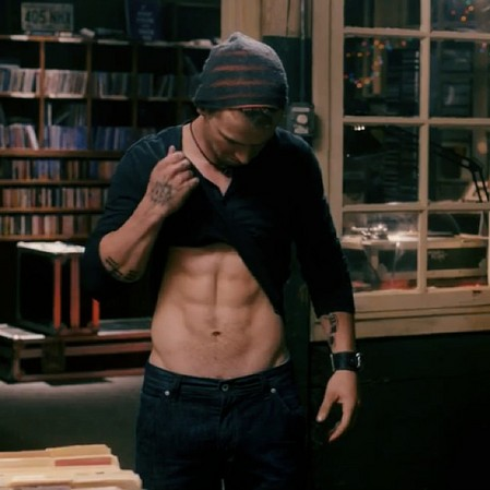 Freddie Stroma in Pitch Perfect