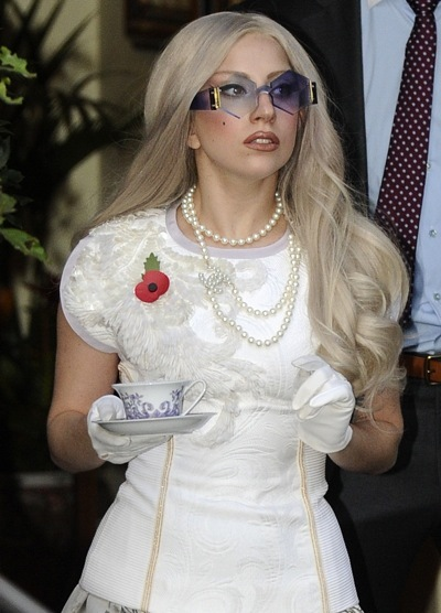 Lady Gaga in a pearl necklace
