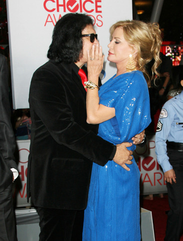 Gene Simmons & Shannon Tweed at the 2012 People's Choice Awards