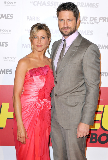 Gerard Butler and Jennifer Aniston at The Bounty Hunter premiere