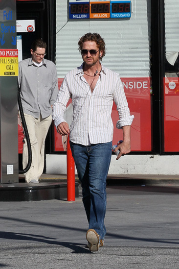 Gerard Butler stops at a gas station in LA