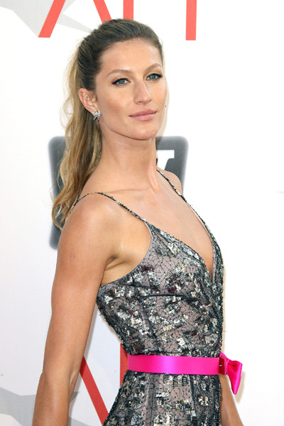 Gisele Bundchen's high ponytail