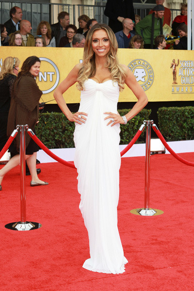 Giuliana Rancic stuns in a white evening gown
