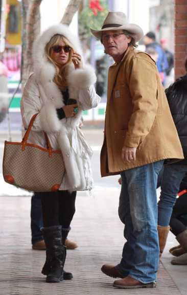 Goldie Hawn and Kurt Russell shopping in Aspen