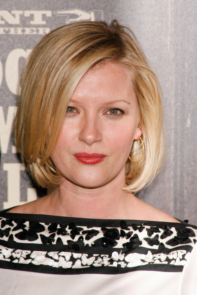 Gretchen Mol's blonde, bob hairstyle