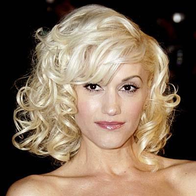 Gwen in curls