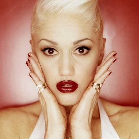 Gwen Stefani red lips