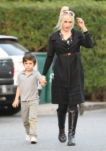 Gwen Stefani and her son Kingston arrive at Bristol Farms