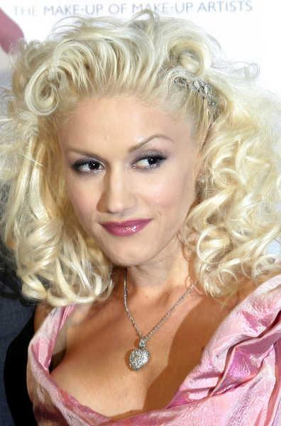 Gwen Stefani Curly Hair Pulled Back
