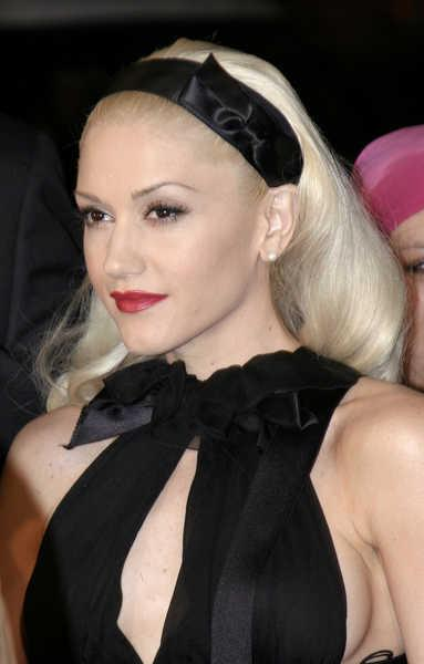Gwen Stefani Blonde with Headband