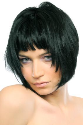 Фото стрижка градуированное каре - стрижки на среднюю длину волос.