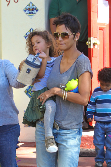 Halle Berry picks up her daughter Nahla from school