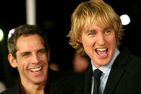 Owen Wilson has a big smile along with Ben Stiller at a Starsky and Hutch movie premiere