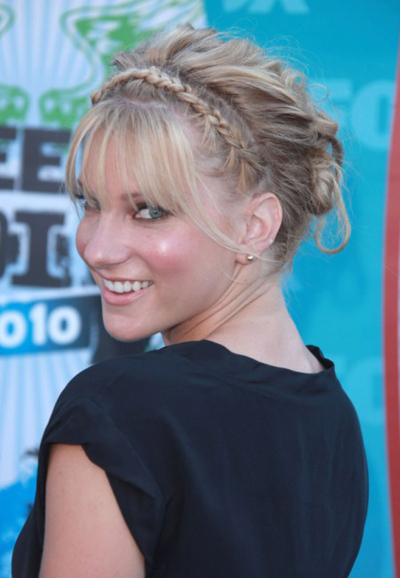 Heather Morris' braided, updo hairstyle