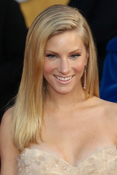 Heather Morris' straight, blonde hairstyle