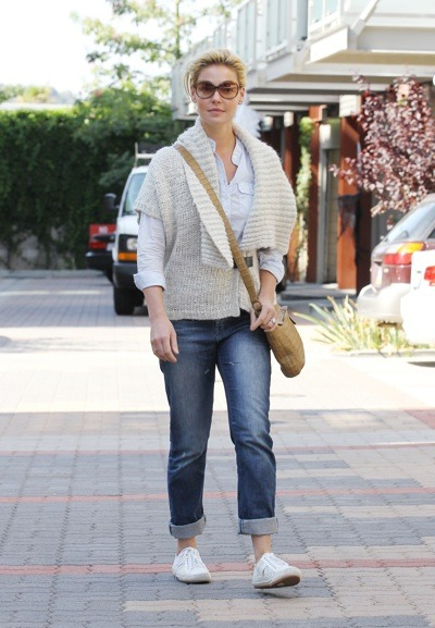 Katherine Heigl in cuffed jeans