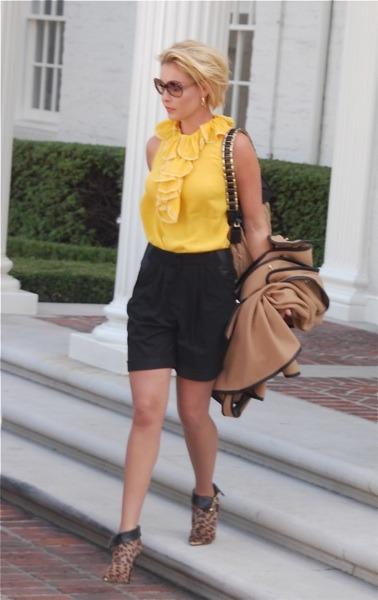 Katherine Heigl in yellow top