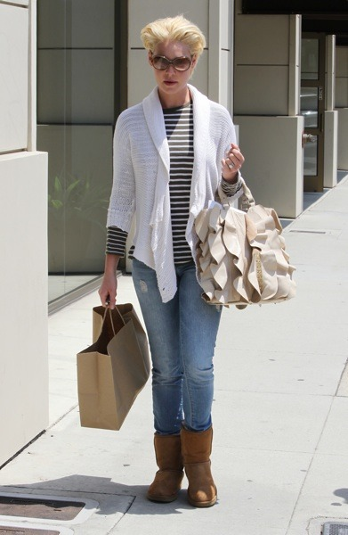 Katherine Heigl with ruffled bag