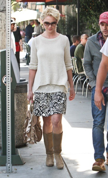 Katherine Heigl in floral print skirt