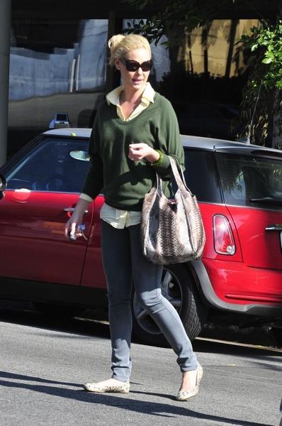 Katherine Heigl in green sweater