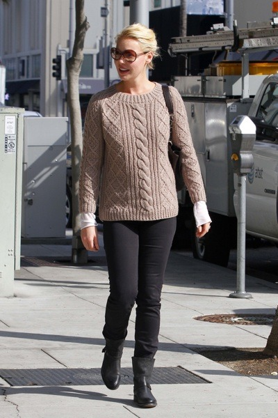 Katherine Heigl in cable knit sweater