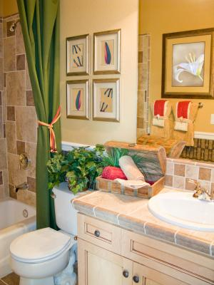 Homemade Shower Curtains and Towel Ties - Bathroom decorating ideas
