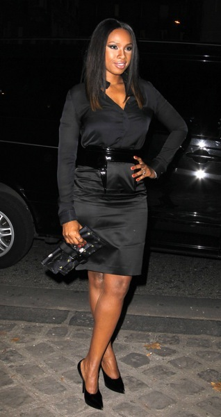 Jennifer Hudson with a belt